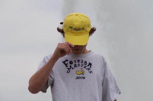 TRöPiCAL DAD HAT.