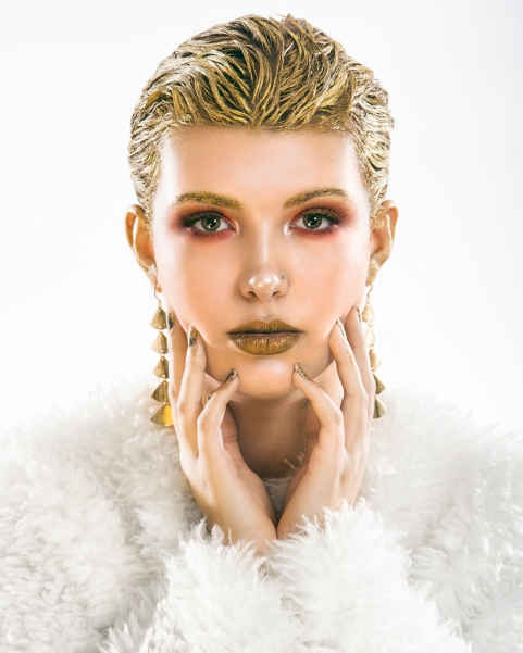 Miya Acacia In studio, white and gold make up